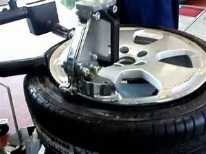 Reifen Von Felge Abziehen : reifen montieren wie werden reifen montiert reifenmontiermaschine fitting the tires youtube ~ Watch28wear.com Haus und Dekorationen