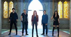 Do You Have The Perfect Shadowhunters Halloween Costume