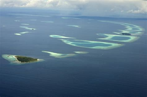 Sinking Islands Global Warming by Maldives To Disappear Soon Due To Climate Change Aol Uk