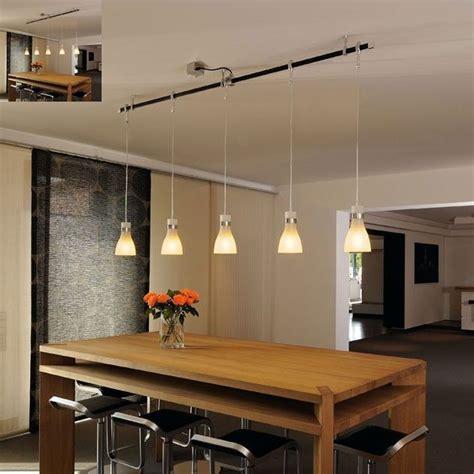 luminaire suspendu cuisine voici une rail ou sont disposés plusieurs luminaire