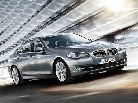 best bmw 550i best features of the 2011 bmw 5 series