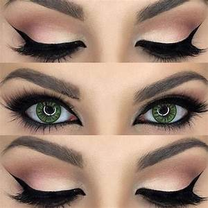 Cat Eye Makeup: How To Do Cat Eyes Step by Step in Minutes!