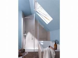 cette petite salle de bains sous les toits beneficie ainsi With salle de bain amenagee