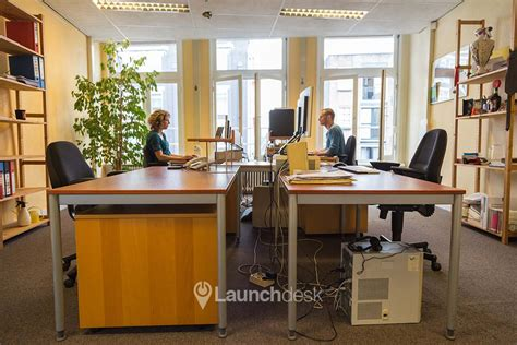 desk space for rent office space spuistraat nieuwe spaarpotsteeg amsterdam