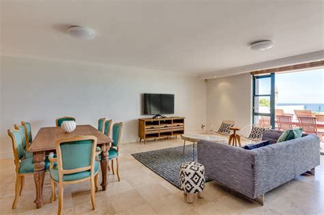 three bedroom self catering apartment above the clifton