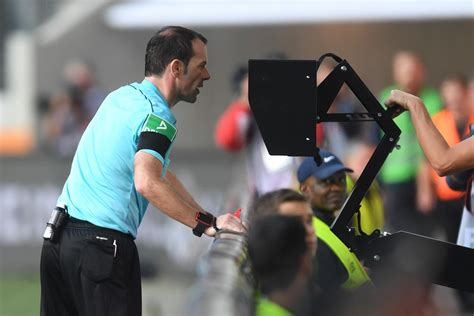 explained  var video assistant referee system works