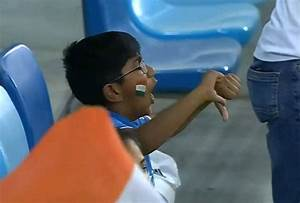 This Young Fans Reaction On MS Dhoni Getting Out On A Duck ...
