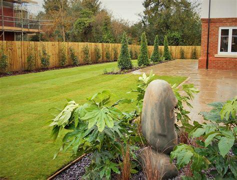 Linden Homes, Felbridge. Show Home Garden - Millstone ...