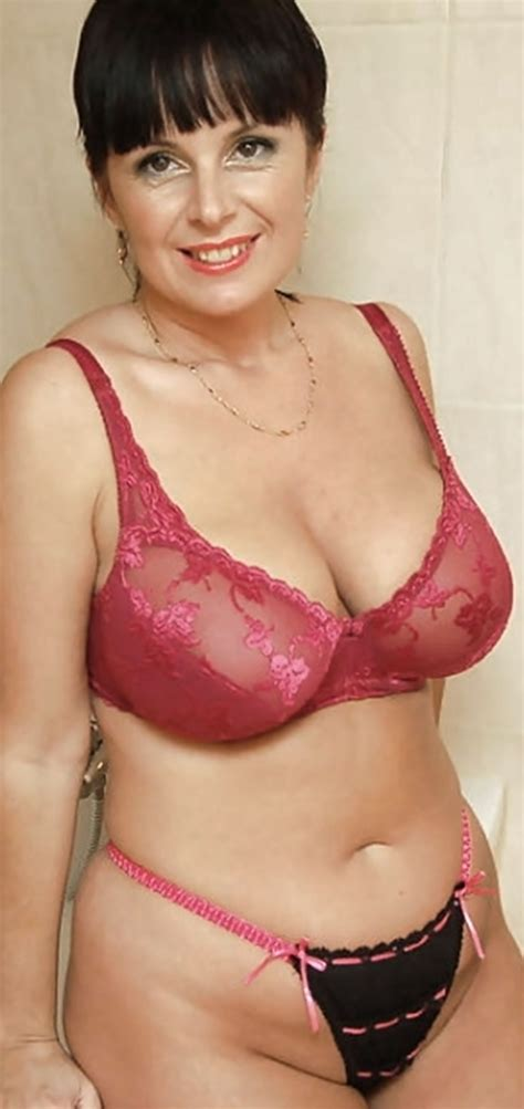 amateur busty mature in bras and panties