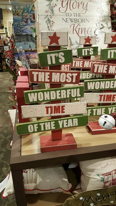 pallet christmas ideas  pinterest pallet