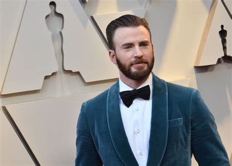 Chris Evans Accidentally Posts NSFW Pic And Mark Ruffalo ...