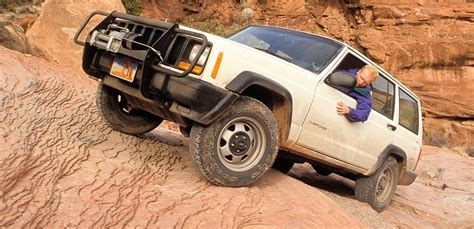 wheel drive roads   needles canyonlands