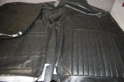 7.XR GT Seat covers
