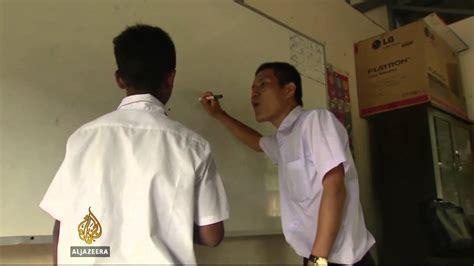 Thai School Struggles To Integrate Migrant Children Youtube