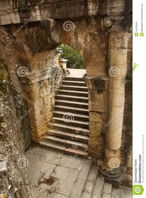 ancient roman arch  staircase stock  image