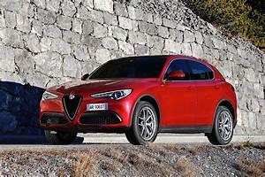 Stelvio Alfa Romeo : alfa romeo stelvio specs 2017 2018 autoevolution ~ Gottalentnigeria.com Avis de Voitures