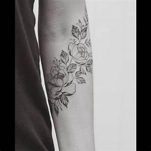 Tatouage Avant Bras Femme Fleur : tatouage pivoine sur l 39 avant bras tatouage tattoos elbow tattoos et arm tattoos for women ~ Farleysfitness.com Idées de Décoration