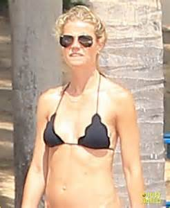 Halloween Jamie Lee Curtis New by Gwyneth Paltrow Bares Body On Vacation With Chris