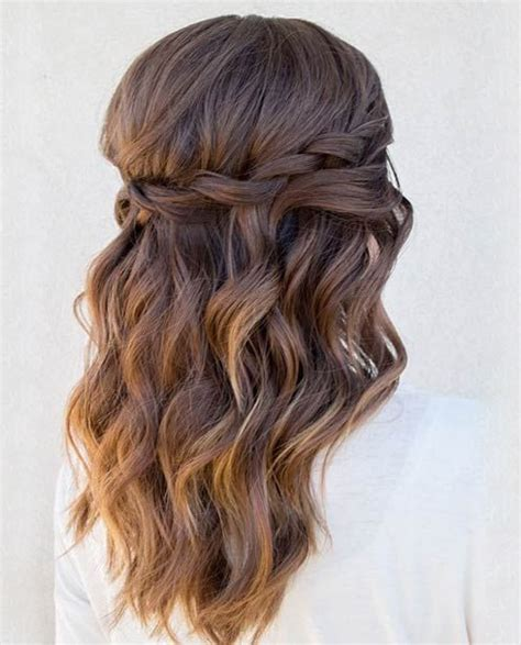 Prom Hairstyles to Get An Eye Catching Look This Year