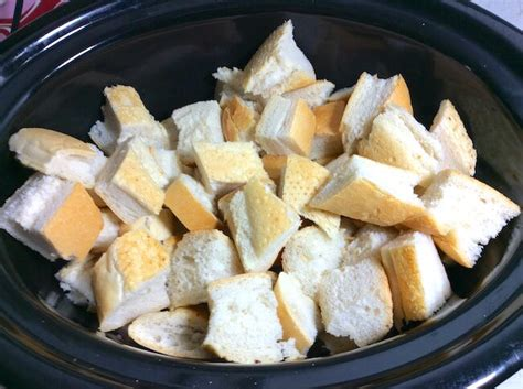 crockpot bread pudding easy recipe only 5 minutes of prep