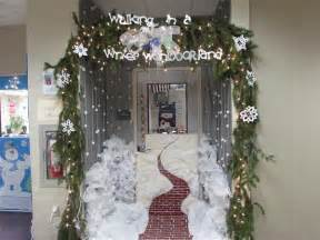 holiday winter door decorating contest overview