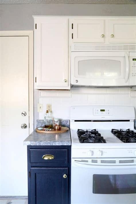 Our Painted Cabinets & Counters   One Year Later   Love