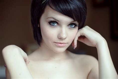 Hair Blue Pale Skin by Black Hair And Pale Skin Beautiful Or