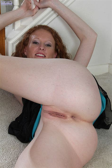 Charming Redhead MILF Ande Flick Her Slit MILF Fox