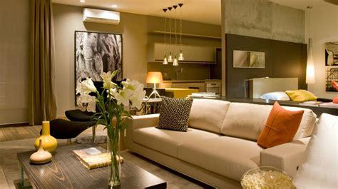 parede verde sofá marrom decora 231 227 o de sala de tv sof 225 marrom decora 231 227 o
