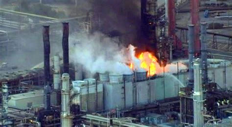 fire  chevron refinery contained   hours nbc