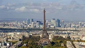 Pariser Eiffelturm Wegen Mann Mit Rucksack Geschlossen
