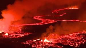 Red Lava Rivers From Hawaii U0026 39 S Kilauea Volcano
