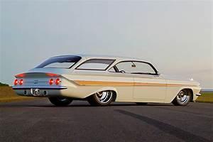 Auto 61 : the 1961 impala bubbletop wagon that knocked em dead in detroit hot rod network ~ Gottalentnigeria.com Avis de Voitures