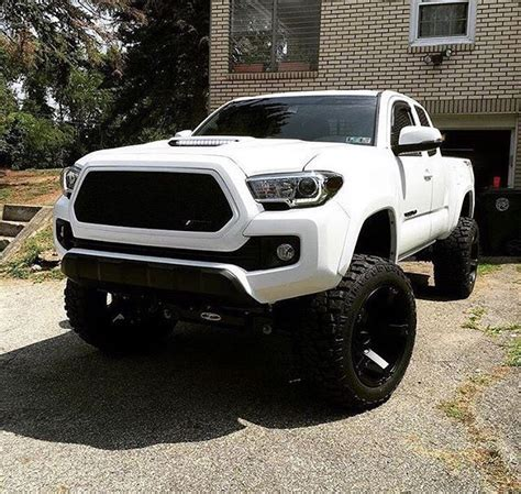 toyota tacoma jacked up jacked up toyota tacoma new car release and reviews 2018