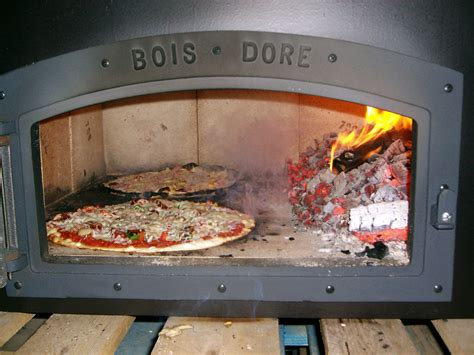 cuisine feu de bois four au feu de bois pizza pizza feu de bois cannes les
