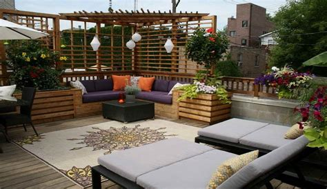 ideas for decorating a terrace with money