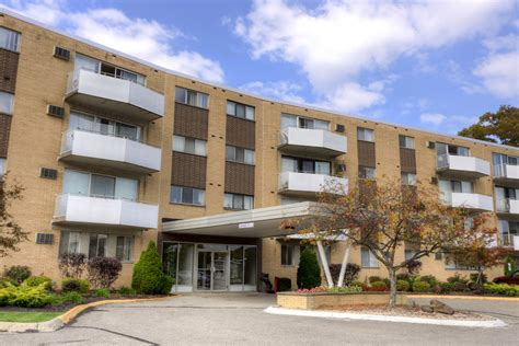 Camelot Appartments by Camelot Apartments Parma Heights Oh Apartment Finder