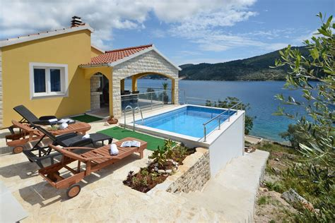 ferienhaus direkt  meer mit pool kroatische inseln