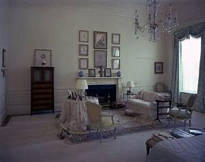 KN-C21507. First Lady Jacqueline Kennedy's Bedroom, White ...