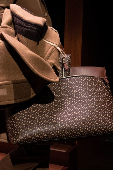 burberry fallwinter  runway bag collection spotted