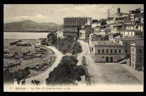 carte postale bougie algerien la ville et le fond du