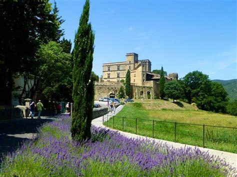 top chateau de lourmarin provence  maison du monde aix en provence