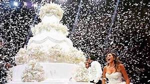 20 over the top wedding cakes that are a feast for the for Top wedding videos
