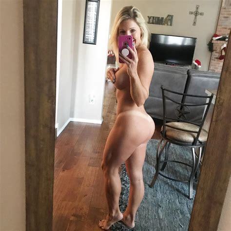 courtney ann s hot selfies bootymotiontv