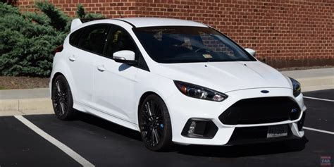 the ford focus rs is the ultimate family sports car