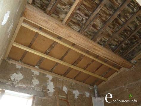 autoconstruction isolation des combles en panneaux de fibre de bois ecosources