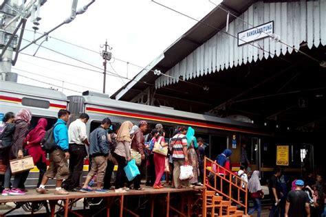 tempat wisata  jakarta  bisa naik kereta