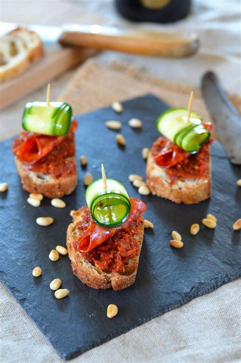 toast de pesto de tomate sechee  pata negra recette