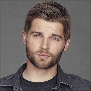 Mike Vogel Pictures, Latest News, Videos and Dating Gossips