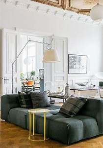 mettez un canape vert et personnalisez l39interieur With tapis de sol avec canapé style oriental pas cher
